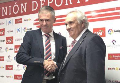 Alfonso García presenta a Lucas Alcaraz y niega una posible venta