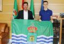 El alcalde de El Ejido recibe al joven nadador Manu Martos